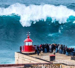 NAZARÉ BIG WAVES